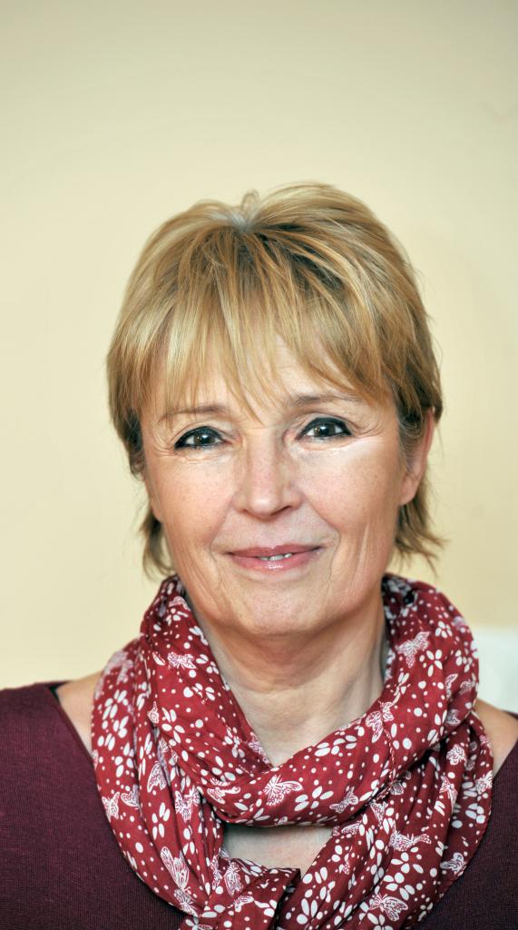 Dr. Géczy Mária