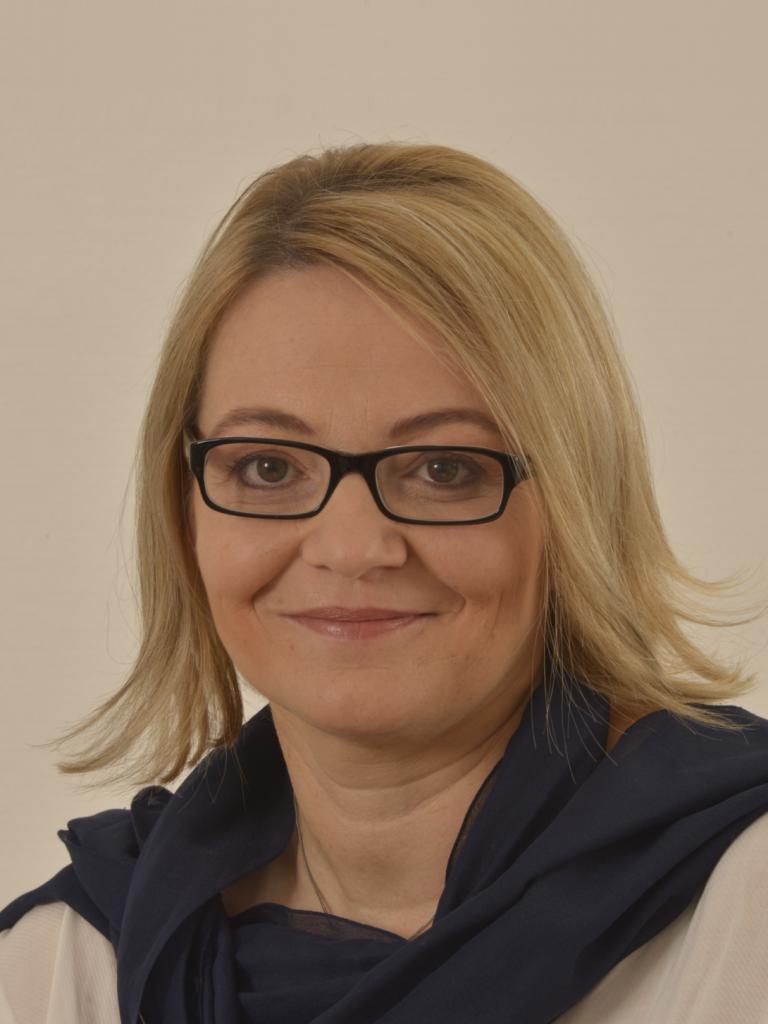 Dr. Ladányi Anikó