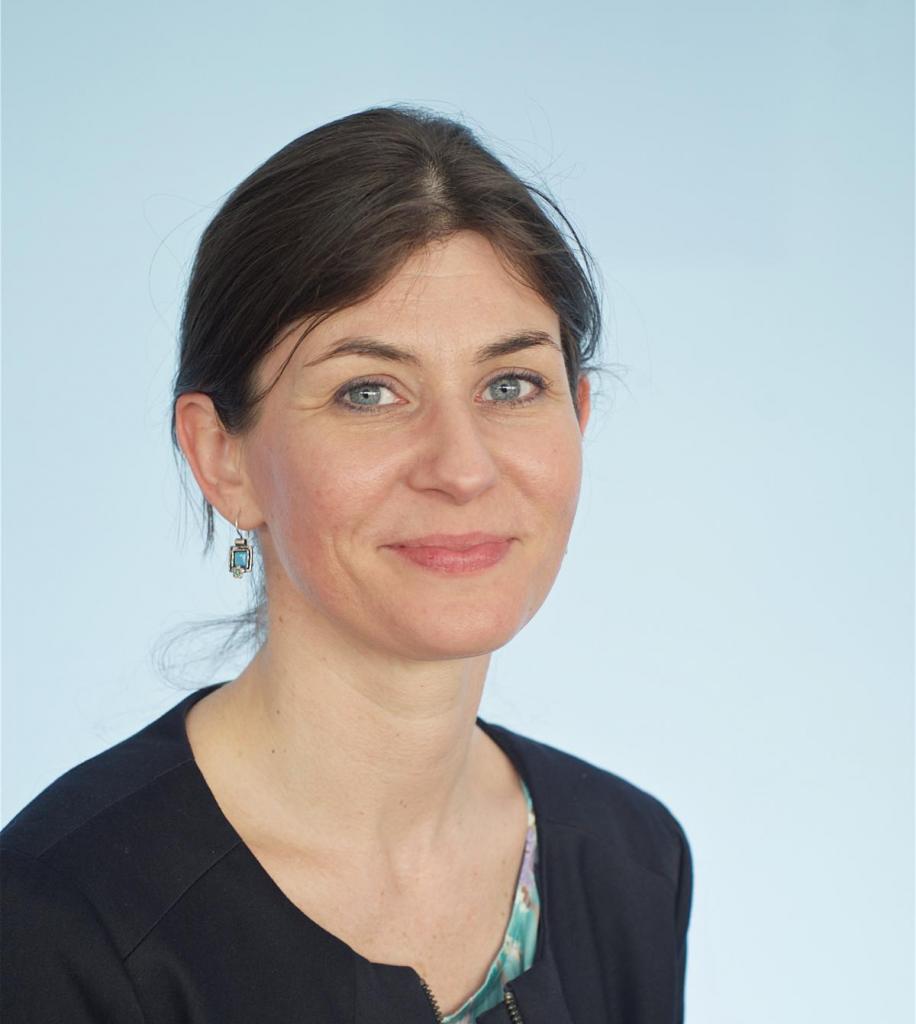 Dr. Müller Katalin